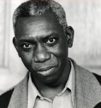 """yusef komunyakaa facing it Yusef komunyakaa is the author of more than a dozen books of poetry contains the widely-anthologized poem """"facing it,"""" about the vietnamveterans memorial in."""