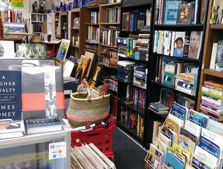 Willa's Books & Vinyl