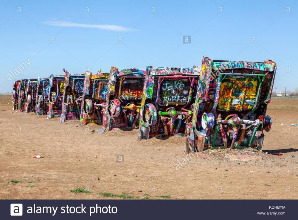 cadillac-ranch-amarillo-texas-KDHBYM.jpg